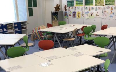 156 elevbord till Kärköläs nya skola i Finland