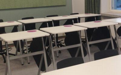 161 elevbord till Linnankoski gymnasium i Borgå i Finland