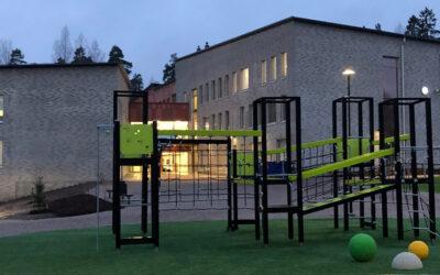 91 st ActiveS bord till Strömborgska skolan i Borgå Finland